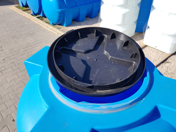 Емкость бак для воды V 500 литров вертикальная КрымХимПласт