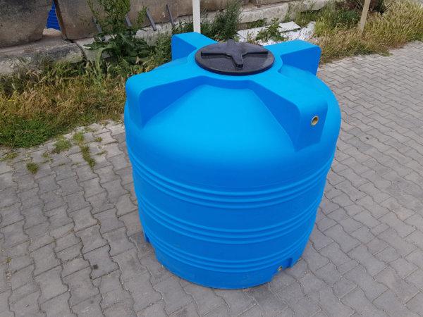 Емкость для воды V 1000 литров вертикальная КрымХимПласт