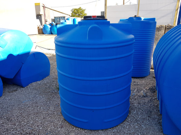 Емкость для воды V 1001 литров вертикальная Гранд Пласт