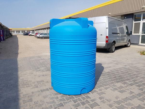 Емкость для воды V 1500 литров вертикальная КрымХимПласт