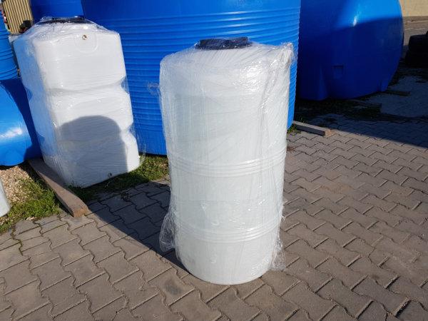 Емкость для воды V 255 литров вертикальная Белая КрымХимПласт