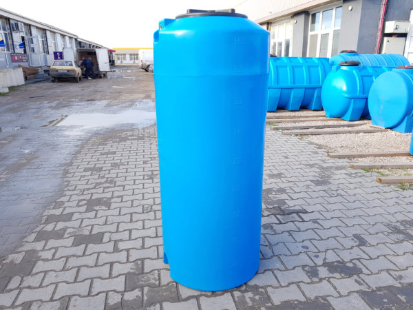 Емкость для воды V 470 литров вертикальная КрымХимПласт